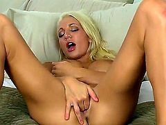 Devon Alexis does her morning exercises every day. She wakes up with soaking wet pussy that needs to be calmed up. Devon uses her fingers to make it cumming.