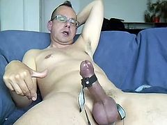 Enjoying the combination of urethrals, electro stimulation and poppers