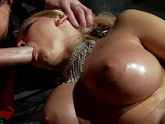 Sinfully sexy stripper Madison Ivy with giant wet tits