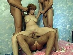 Three rapacious dude fuck a sextractive mama with hot body. She rides one of them in reverse cowgirl style, while two other fuckers receive a fantastic handjob and blowjob in sultry group sex video by All Porn Sites Pass.