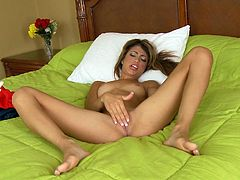 Skinny blonde Veronica Rodriguez is masturbating
