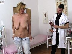 Erotic cougar shafting and chewing A doctor