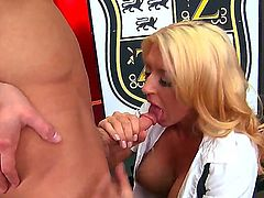Watch the movie where sex between Leya Falcon and Seth Gamble is waiting for you to check it up. The busty blondie is giving a head before getting twat fingered and pounded.