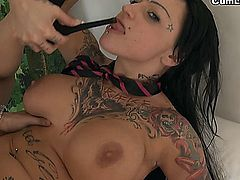 Jenny Hard is a Titstanic cocksucker and not only for having a pair of incredible tits, She loves to feel the warmth of a good cum on her face and in her mouth.