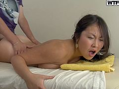 White wanker drills a brownish pussy of Asian chic