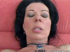 Black haired amateur milf gets fisted by younger lover