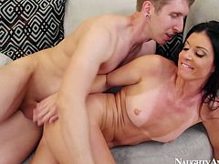 Sex hungry salty India Summer gets her muf pounded in sideways pose