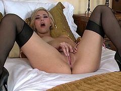 Delightful blonde hottie Sophia Knight likes to masturbate in front of the mirror. It makes her pussy get really tight and makes the orgasm that much better.