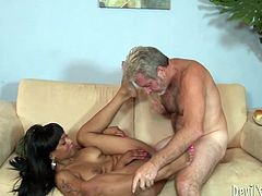 Black princess loves to be fucked mercilessly and takes any opportunity for a good hard fuck. She lets her horny lover lick her sappy pussy and then he fucks her hard in missionary position.