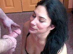Cleo Leroux is mouthjobing some private action