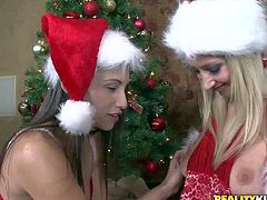 Celeste Star plays with lesbian chicks on Christmas