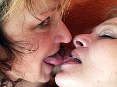 Two rapacious moms with ugly quaggy bodies rub their tits and practice French kissing before they begin to tease their ruined pussies with spoiled fingers.