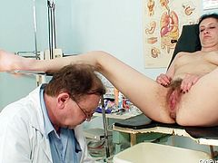Steamy mom Helena gets her pussy examined by kinky gynecologist