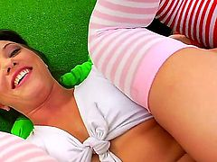 There is always a pleasure to watch cute lesbian prostitutes playing with each other. Alysa, Anita Hengher and Isabella Clark shows their anal priorities today.