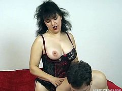 Stephanie Swing and her boyfriend make a home video of their sexcapades. He loves it not only when she sucks him, but uses her ha