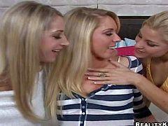 Attractive young blonde cuties Nikki, Sammie Rhodes and Bryn Tyler with smoking hot bodies and pretty faces in short skirts get naughty and starts having amazing wet threesome in bedroom