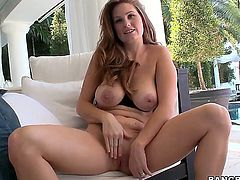 Allison Moore uses her MILF butt to seduce guys