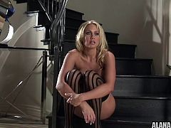 Busty blonde cougar ennjoys massive toy driling her pussy in naughty solo