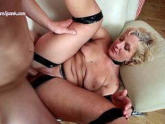 Watch this great scene where a sexy blonde mature is fucked up her ass by a horny stud after she sucks his cock.