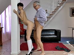 Horny geezer has got an excellent chance to drill Coco's tight pussy filming in a dirty Jim Slip sex vid. So check out her getting banged brutally.