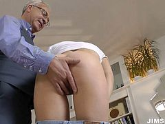 Cum addicted hot girlie is a great dick sucker. This awesome gal with sweet natural tits loves to rub her pussy before giving a stout blowjob for sperm. Just check her out in Jim Slip sex clip and get ready to reach the seventh heaven of pleasure.