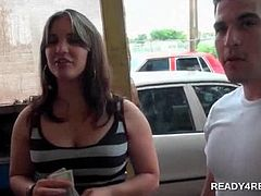 Teenage couple taking lots of cash to play sex games and fuck