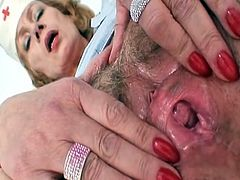 Large milk cans red head Lady dildoying hairy fur pie