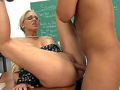 Julia Ann with juicy tits and hairless muff has sex experience of her lifetime with hard cocked dude Rocco Reed