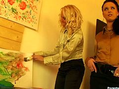Tainster sex clip will show you how spoiled and voracious artists can be. Three kinky chicks are in the private art gallery. Severe blondie doesn't like the stuff horny brunette talks and grabs her neck tough. It's high time for a catfight. Horny nymphos with nice butts pull hair and moan like mad.
