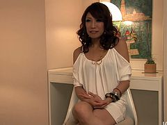 Angelic looking babe Aya Sakuraba gives a head