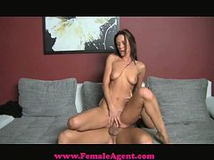 Slutty cougar gets her pussy licked. After that she gets her tight vagina torn up by a muscular guy.