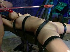 Smoking hot siren Jynx Maze is being bondaged and Isis Love is the one that will make her feel charged. She bends her over and sticks a wired toy in her ass!