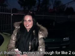 It is more than easy to find girls like brunette Tereza Becker on the street. She comes from Europe and it would be her pleasure to fuck for money on cam.