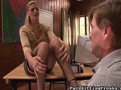 Slutty blonde likes dominating her boss while at work in stunning porn scene