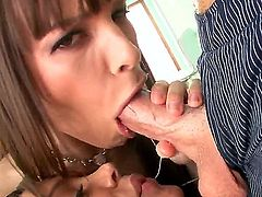 Mike Adriano explores the depth of unbelievably sexy Francesca Les throat with his worm