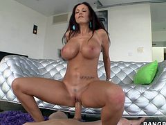 She loves a good hard fuck and loads of semen in her juicy vagina. France bitch Ava rides her man and bounces her boobs in the meantime. He puts lube on those superb breasts and then the fucking continues. Ava kneels for a short blowjob break and then puts that dick back in her pussy to get some jizz inside her