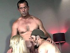 Sammie Spades enjoys bisexual threesome sex along hunk with huge cocks
