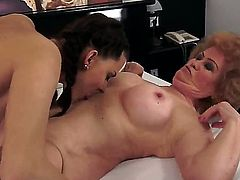Brunette learns more about lesbian sex from her lesbian girlfriend Effie