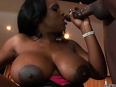 Busty black like coal whore Jada Fire desires to be hammered missionary