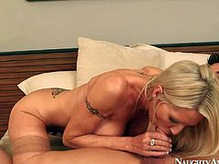 Hot blonde Emma seduces her neighbor Johnny