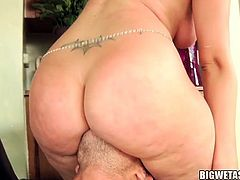 Slutty milf Ava Rose enjoys younger hunk fucking her tight ass in wild anal