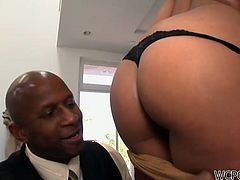 Welcome to enjoy incredibly hot and horny black gal. This blondie with sweet tits has nice rounded ass which makes my mouth water. Bald headed dude can't decide what to use better - a short leash and a choke collar. Dirty-minded stud makes this awesome nympho gives a solid blowjob for tasty cum and enjoys pleasing her horny BF.