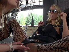 Samantha Bentley and Chelsey Lanette are sex obsessed lesbian bitches that love pussy eating so much. Four-eyed blonde in black opens her legs and gets her snatch tongue fucked by juicy ass girl in white shoes.
