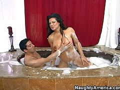 Teri Weigel enjoys in having a hot and arousing bath time with her hubby in the bathtub and makes hot and passionate love to him for the cam
