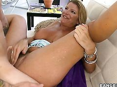 Robbye Bentley makes man happy by blowing his schlong