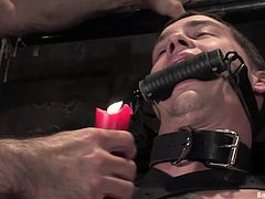 Take a look at this great bondage video where gay dudes have fun pleasing each other as they torture and humiliate one another.
