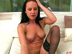 Brunette Katie St Ives kills time rubbing her beaver