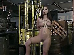 Blonde Zyna Baby makes her tongue disappear in Kathia Nobilis pussy