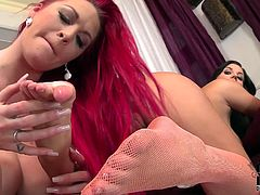 Kinky redhead bitch licks her lover's soles
