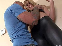 Nasty blonde Katie Summers takes it in her mouth